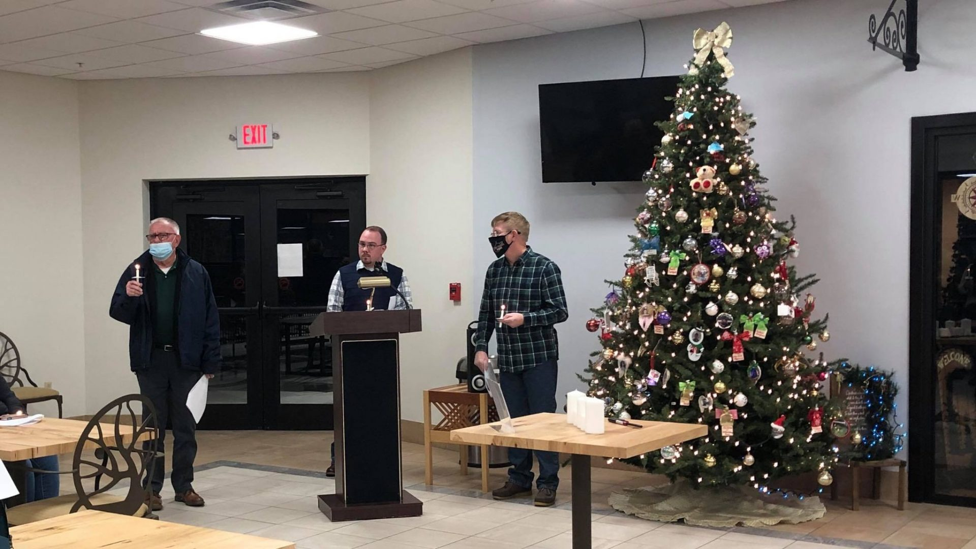 Angel Tree candlelight service remembers Williamsburg fire victims Greenbrier County lost
